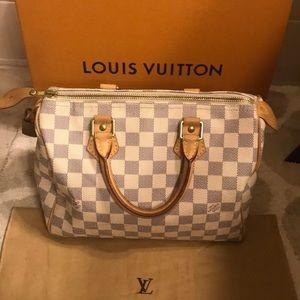 Louis Vuitton Speedy 25.